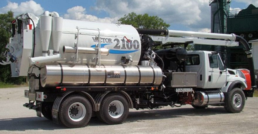 vactor 2100 plus sewer cleaning truck